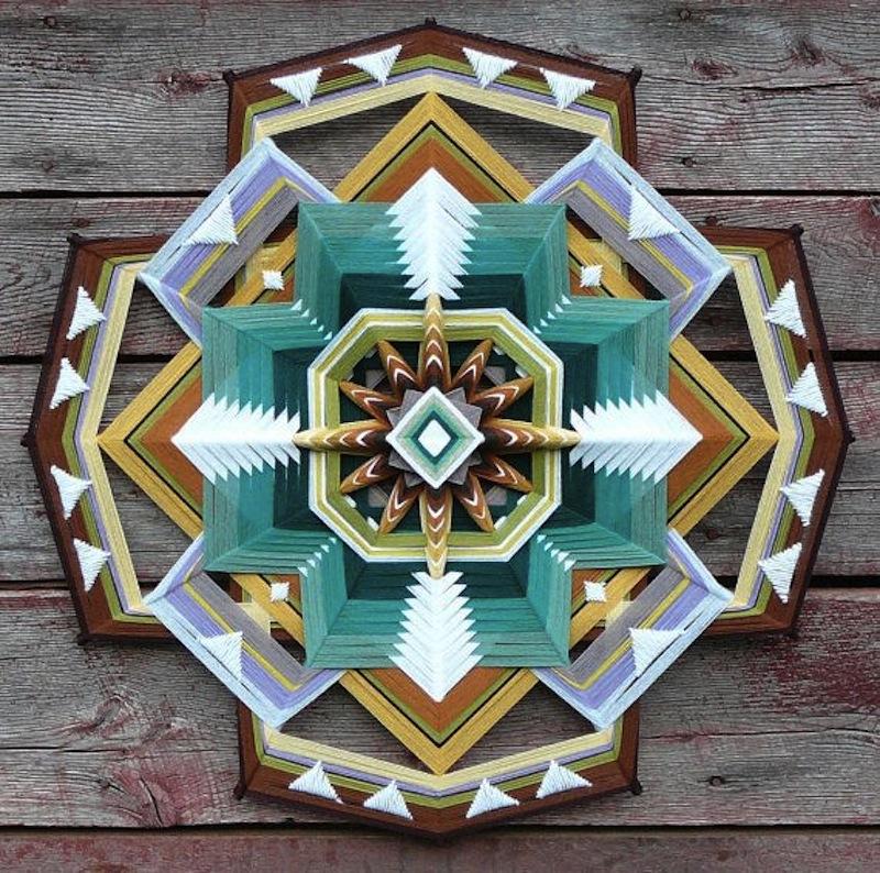The Ojo de Dios Gods Eye weawing crafts 8