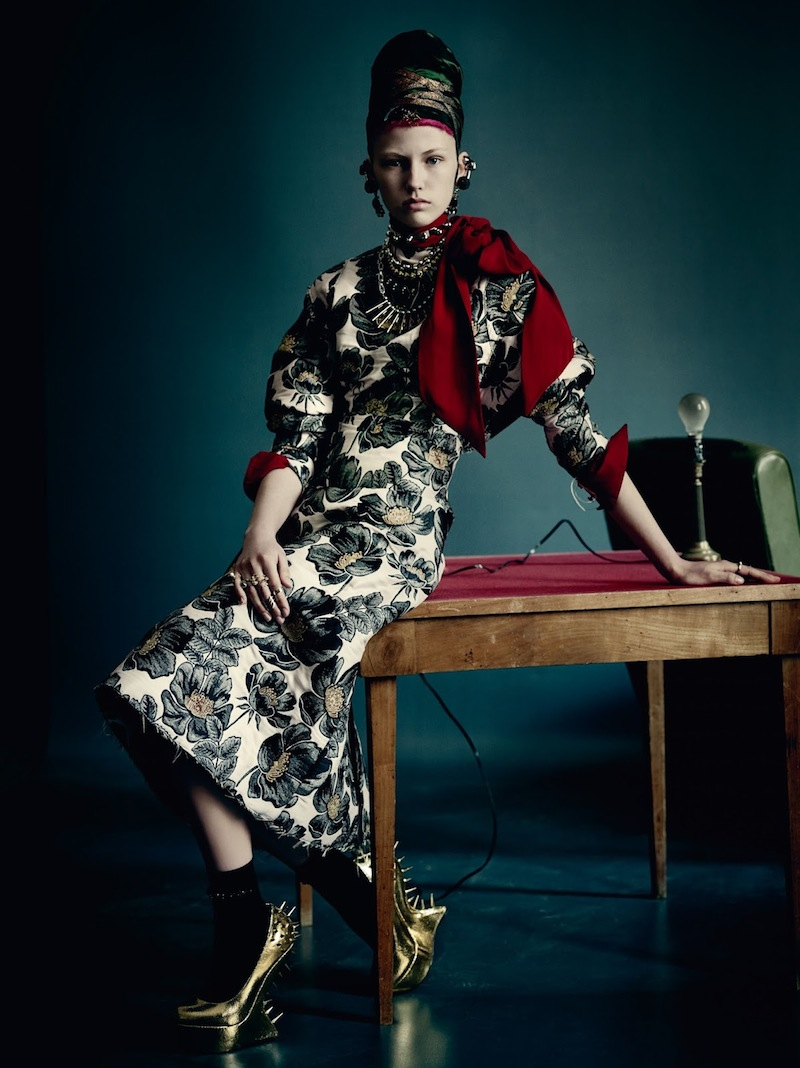 paula-galecka-by-paolo-roversi-vogue-uk-september-2015-04