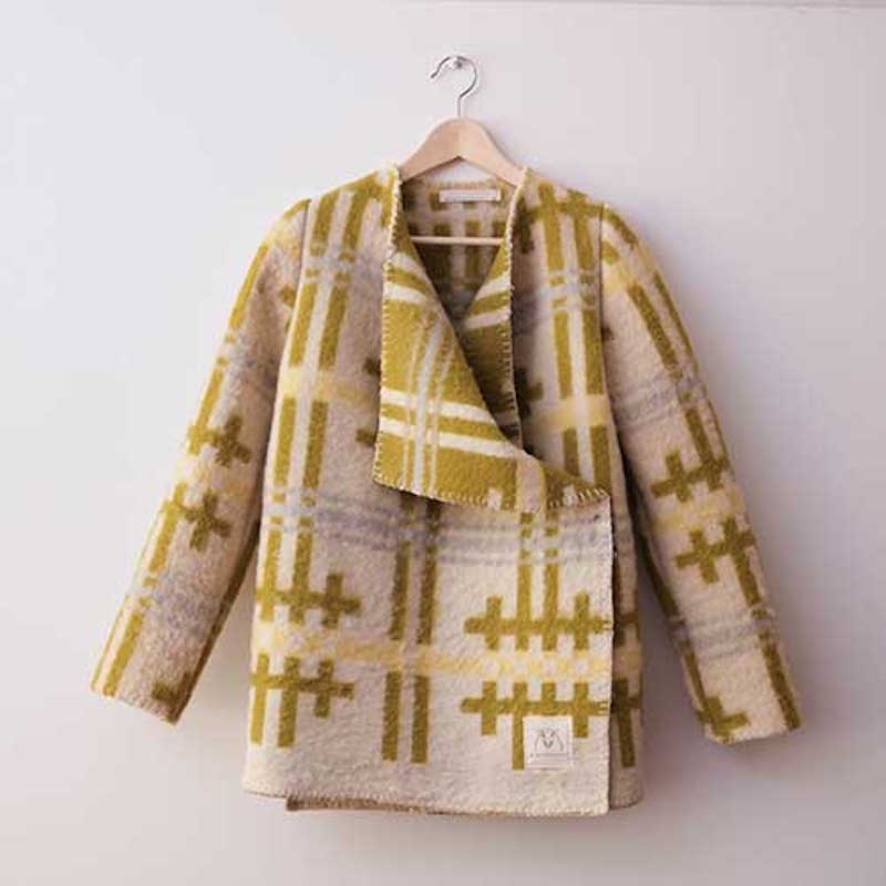 wintervacht-blanket-jacket-09