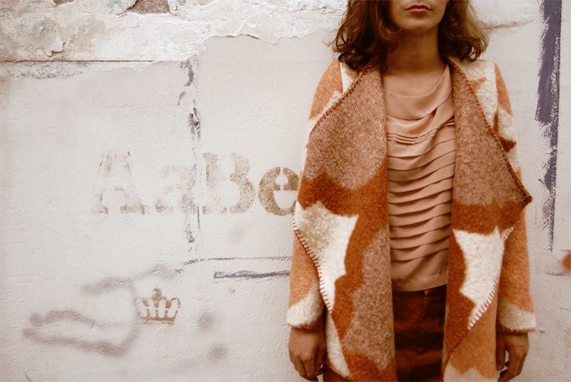 wintervacht-blanket-jacket-10