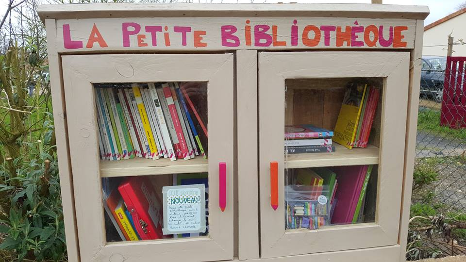 Bo te lire annuaire collaboratif qui recense les bo tes livres les outils collaboratifs - Fabriquer une boite a lire ...