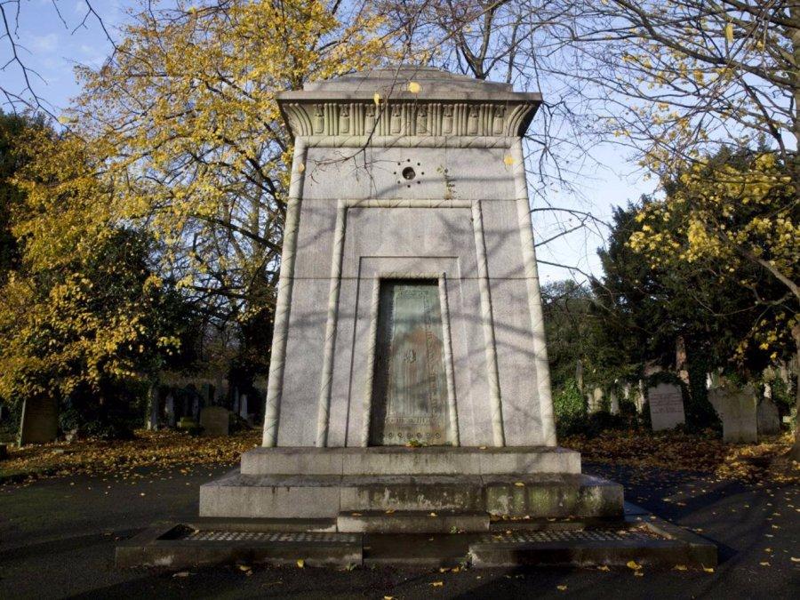 11-brompton-cemetery-teripeng.png