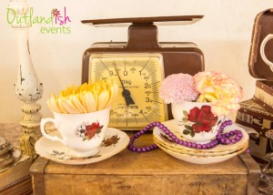 Outlandish-Events-Vintage-Tablescaping-1