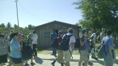 Prêcher dans la ville de Pedernales