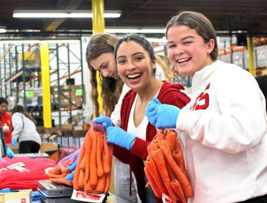 Photo courtesy Mayfield Senior School Mayfield Senior students volunteer at the L.A. Food Bank.