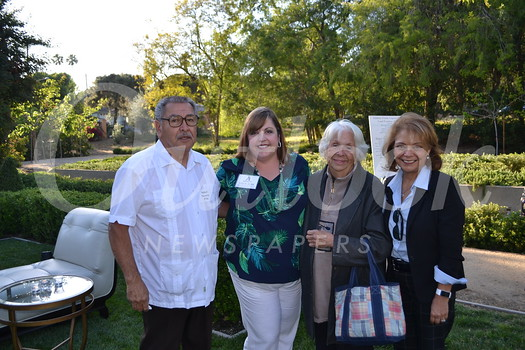 Robert Navarro, Wendy Finch-Burk, Antonia Navarro and Head of School Julia Fanara