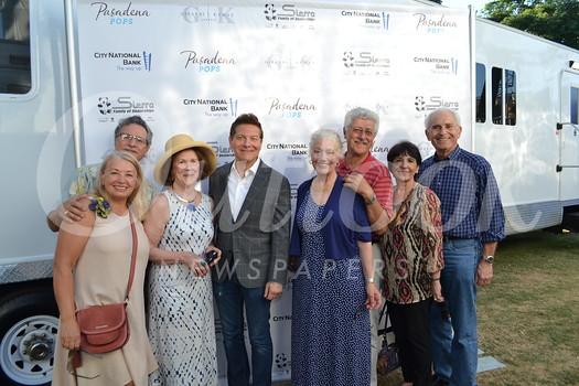 Michael Feinstein (center) with Shadi and Jennifer Sanbar, Barbara Steinwedell, Angela and Dennis Awad, Gayle and John Samore