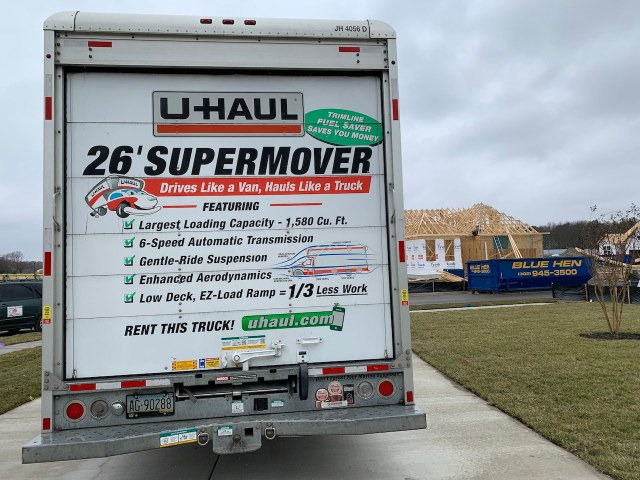 26' U-Haul Ford F-650 Rear