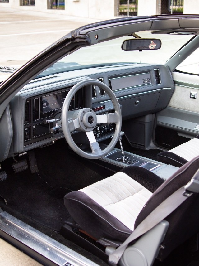 1987 Buick Grand National interior