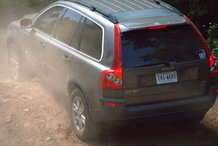 Volvo XC90 up dirt hill