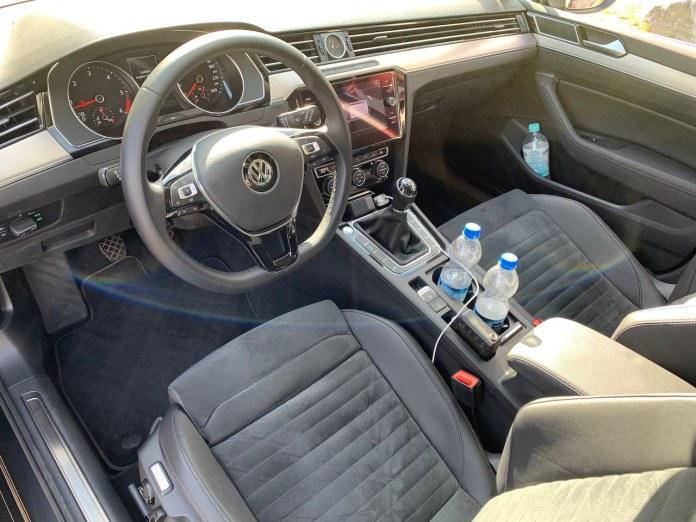 VW Passat manual interior