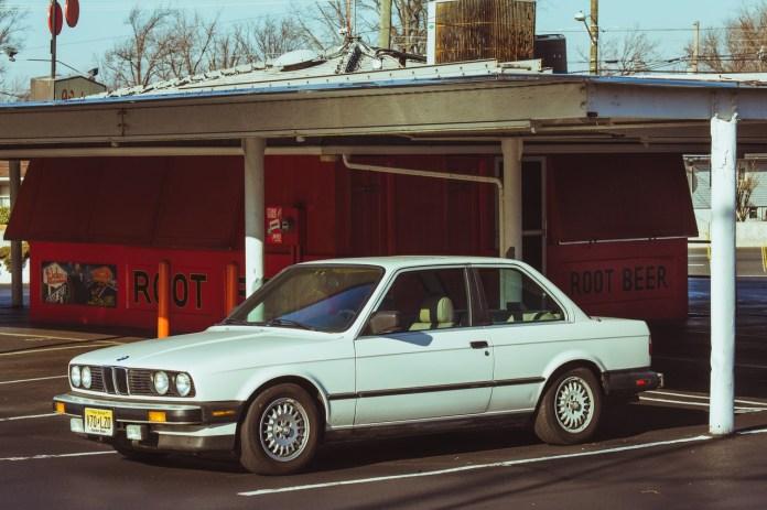 E30 325e Alpine White