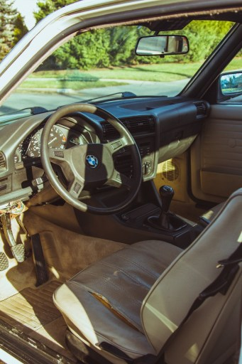 E30 325e interior