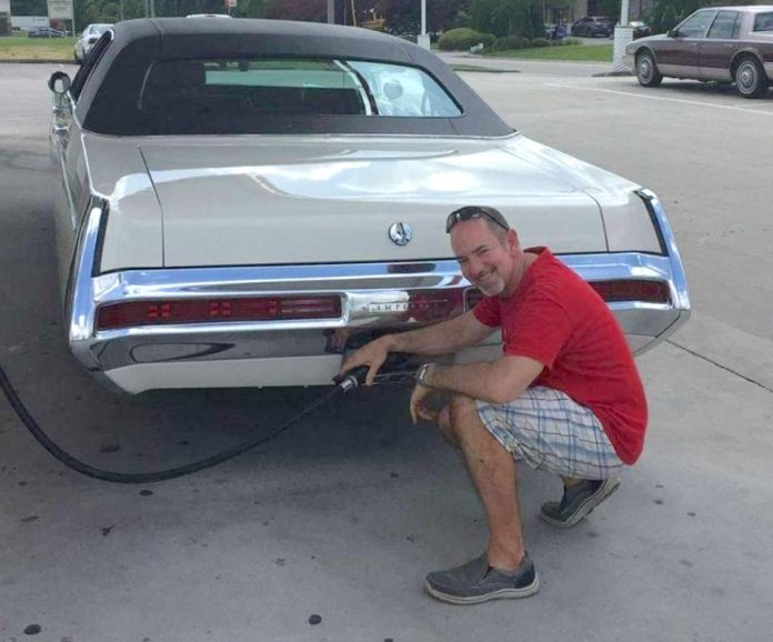1969 Chrysler Imperial LeBaron Tony Cheveny