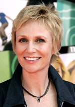 "Jane Lynch ""feels bad for Brett Ratner"" after his gay slur"