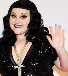 BETH-DITTO-HEAVY-CROSS-269x300