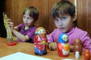 Russia to refuse adoption to same-sex couples