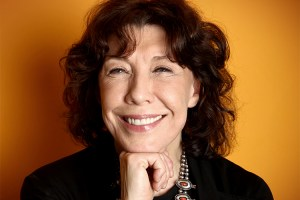 Lily Tomlin Becomes First Out Lesbian To Receive Kennedy Centre Honor
