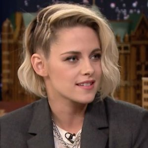 Watch: Kristen Stewart talks about Twilight romance and dating girls