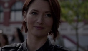 Supergirl's Chyler Leigh comes out.
