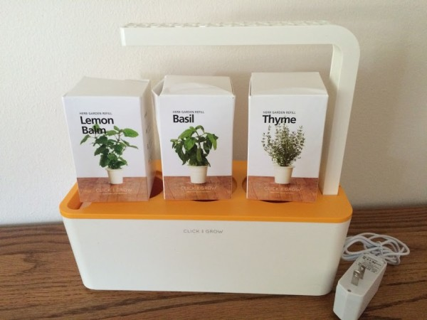 Click & Grow is The Indoor Garden That Requires Little Effort So ANYONE Can Have Fresh Herbs at Home