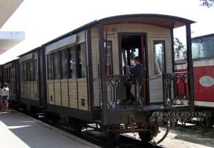 The local train to Trai Mat