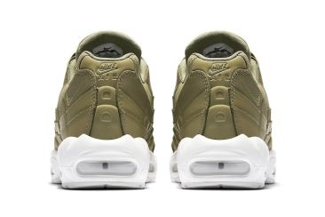 http---hypebeast.com-image-2017-07-nike-air-max-95-trooper-green-4