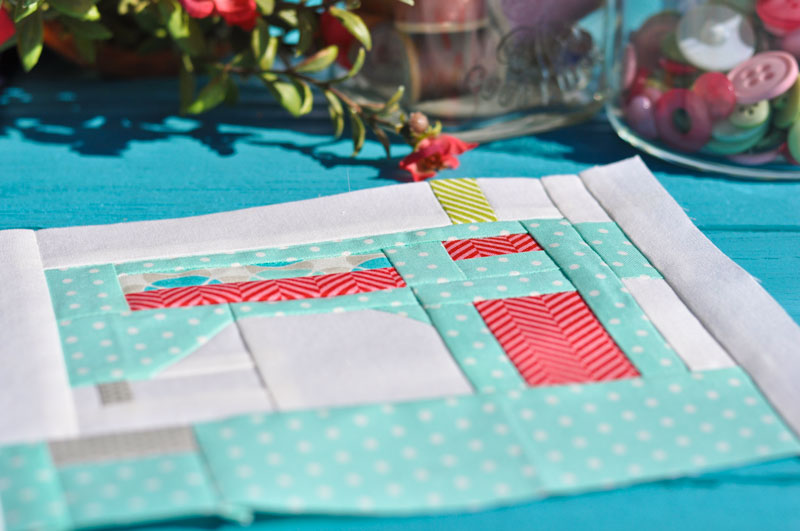 Snapshots Quilt-Along Mini Quilt Block 2 │Out of the Blue Quilts