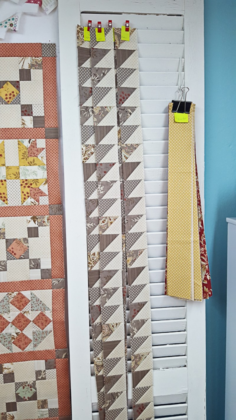 crossroads-quilt-along-mini-finishing-instructions%e2%94%82-out-of-the-blue-quilts-by-sondra-davison-3