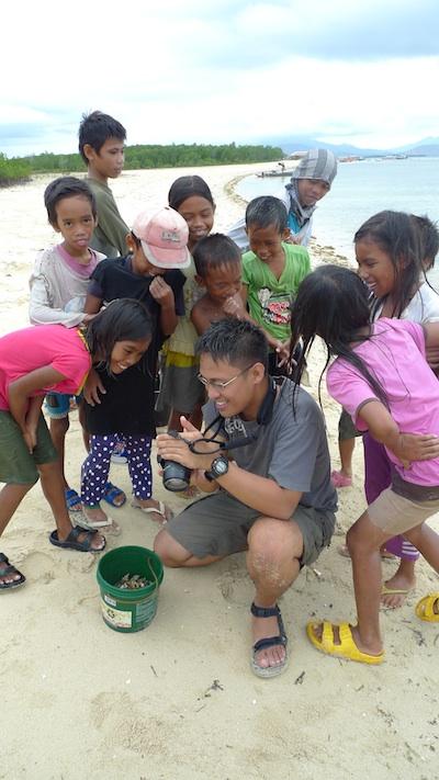 Dongho with Palaweno Kids