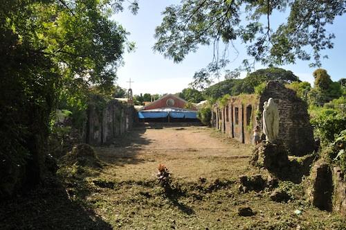 Inside Pindangan Ruins