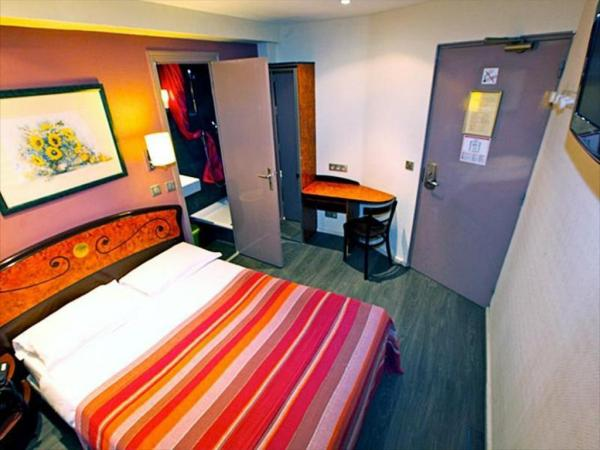Plug Inn Hostel, Paris, France