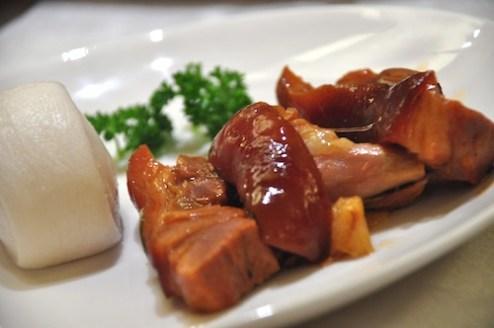 Braised Pork Leg with Chinese Buns