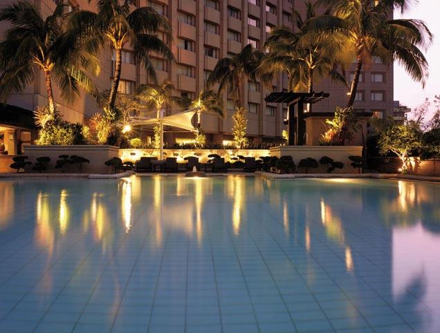 Shangri-la Manila Pool