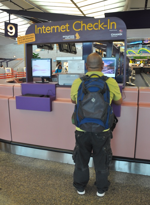 Internet Check In at Changi Airport