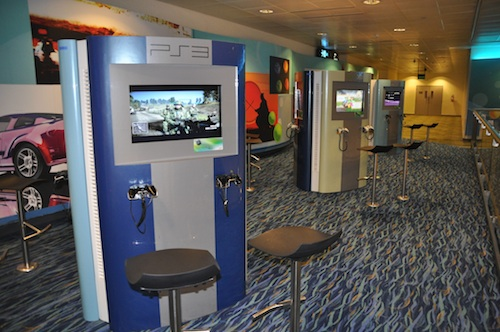 Entertainment deck di Changi Airport (photo embedded from http://outoftownblog.com)