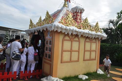 Santas Den
