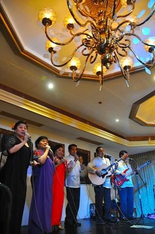 Mabuhay Singers at Manila Hotels Presidential Salon