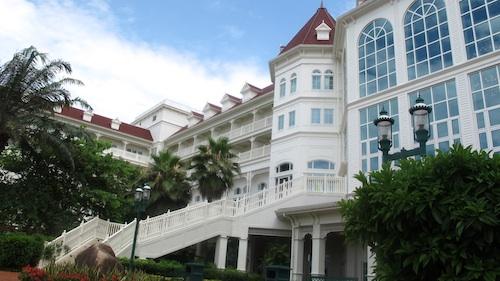 Disneyland Hotel in Hong Kong