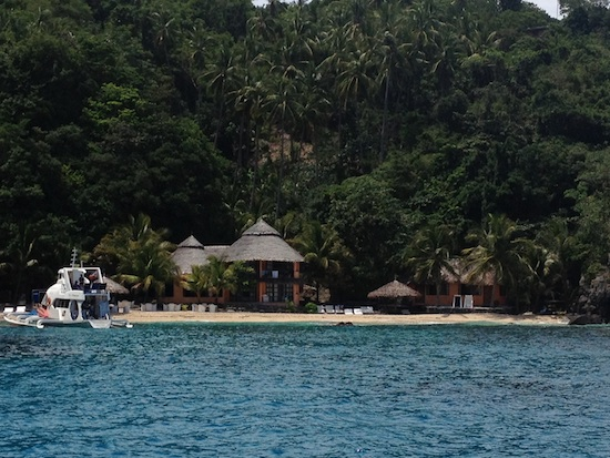 Apo Island Resort
