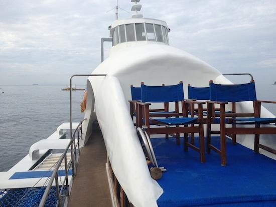 Boat to Apo Island