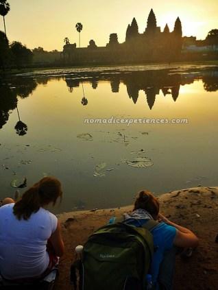 Shooting the sunrise shooters at Angkor Wat