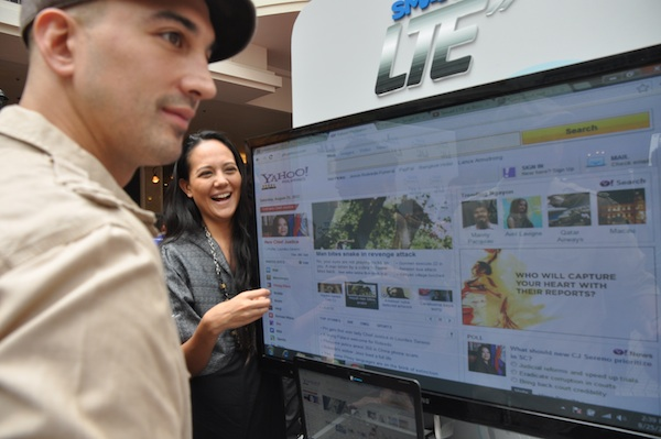 Filipino Celebrities testing Smart LTE