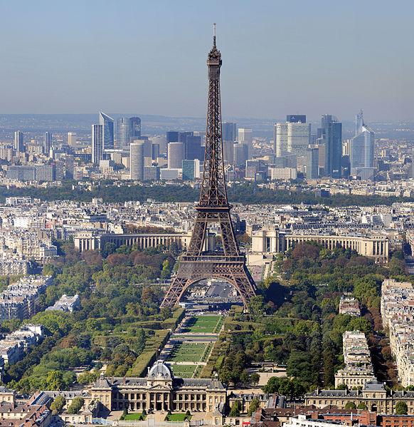 Paris - La Tour Eiffel et le Champ de Mars