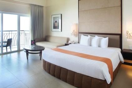 Premier King Lake Rooms