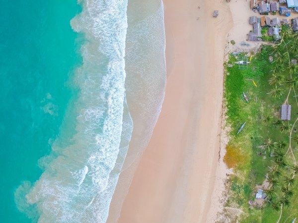 Nacpan Beach photo by Cris Tagupa via Unsplash
