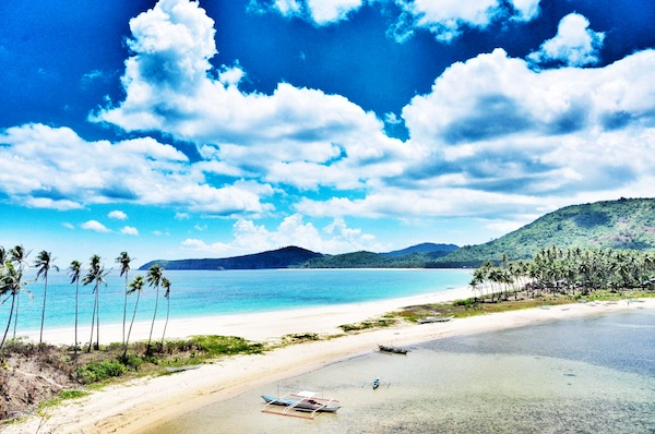 Twin Beaches in El Nido Palawan