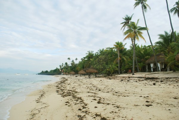 Beach in Siquijor pictures by Renzelle Mae Abasolo via Flickr