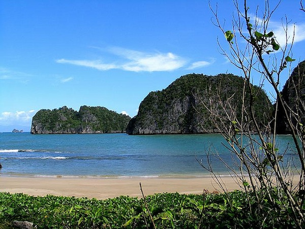Caramoan Travel Guide