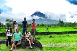 Pinoy Travel Bloggers in Cagsawa Ruins